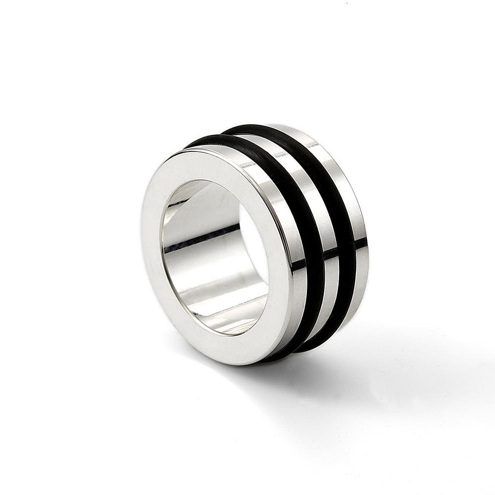 Frästa spår med gummiringar / Milled grooves with rubber rings