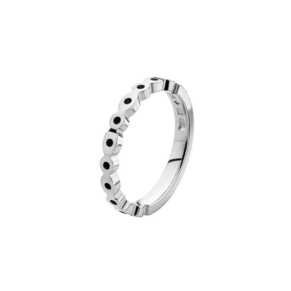 Kundanpassad navettring med hål / Customized hub ring with holes